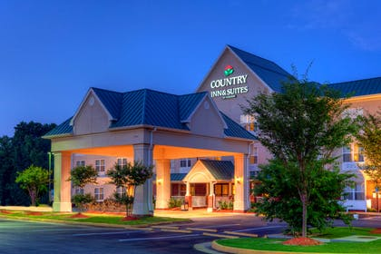 Hotel Exterior   Country Inn & Suites by Radisson, Chester, VA