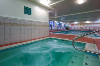 Spa   Country Inn & Suites by Radisson, Chester, VA