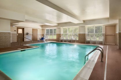 Pool | Country Inn & Suites by Radisson, Doswell (Kings Dominion), VA