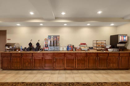 Breakfast Room | Country Inn & Suites by Radisson, Doswell (Kings Dominion), VA