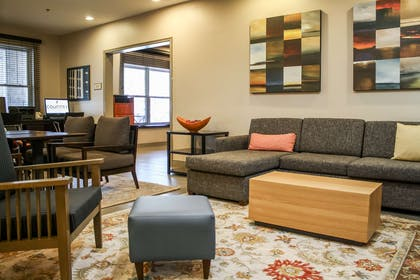 Lobby Seating | Country Inn & Suites by Radisson, Washington Dulles International Airp