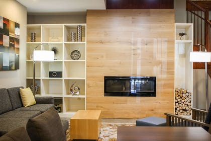 Lobby Fireplace | Country Inn & Suites by Radisson, Washington Dulles International Airp