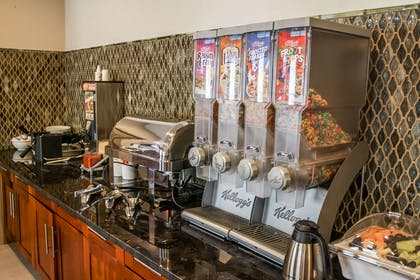 Breakfast Area | Country Inn & Suites by Radisson, Washington Dulles International Airp