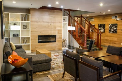 Lobby | Country Inn & Suites by Radisson, Washington Dulles International Airp