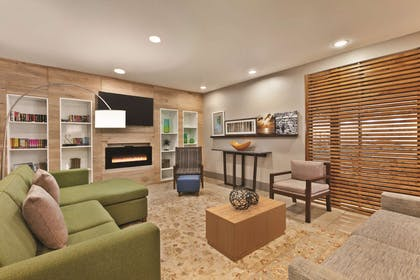 Lobby with Fireplace | Country Inn & Suites by Radisson, Petersburg, VA