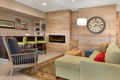 Lobby | Country Inn & Suites by Radisson, Richmond West at I-64, VA
