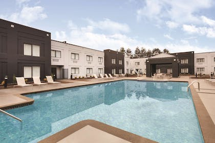 Pool | Country Inn & Suites by Radisson, Seattle-Bothell, WA