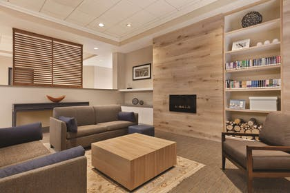 Lobby | Country Inn & Suites by Radisson, Seattle-Bothell, WA