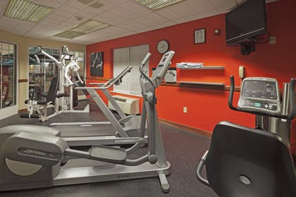 Fitness Room | Country Inn & Suites by Radisson, Milwaukee West (Brookfield), WI