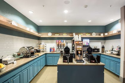 Breakfast Area | Country Inn & Suites by Radisson, Fond du Lac, WI