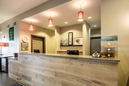Front Desk | Country Inn & Suites by Radisson, Fond du Lac, WI