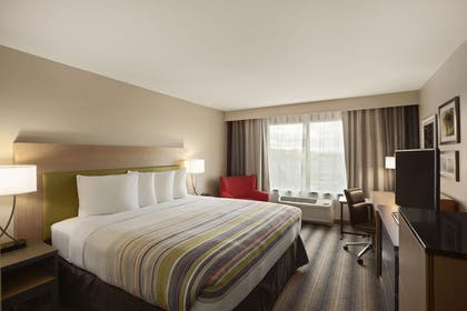 King Bed   Country Inn & Suites by Radisson, Germantown, WI