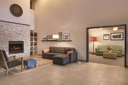 Lobby   Country Inn & Suites by Radisson, Germantown, WI