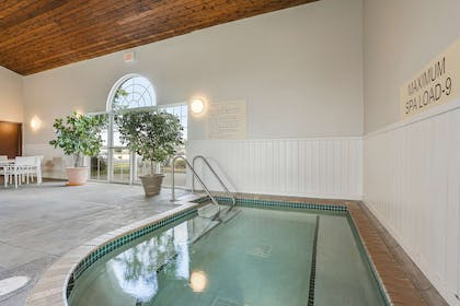 Pool   Country Inn & Suites by Radisson, Green Bay, WI