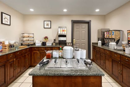 Breakfast Room | Country Inn & Suites by Radisson, Appleton North, WI