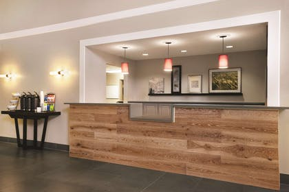 Front Desk | Country Inn & Suites by Radisson, Madison Southwest, WI