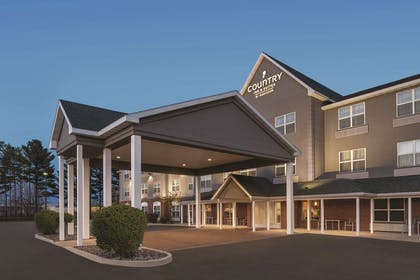 Hotel Exterior | Country Inn & Suites by Radisson, Marinette, WI