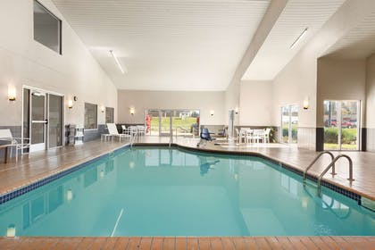Pool   Country Inn & Suites by Radisson, Platteville, WI