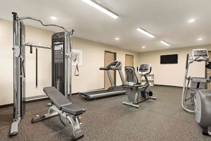 Fitness Center   Country Inn & Suites by Radisson, Platteville, WI