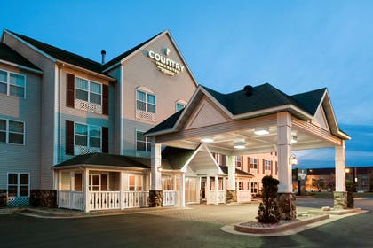 Hotel Exterior | Country Inn & Suites by Radisson, Stevens Point, WI