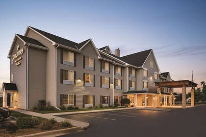 Exterior | Country Inn & Suites by Radisson, West Bend, WI