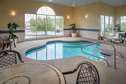 Hot Tub | Country Inn & Suites by Radisson, Beckley, WV