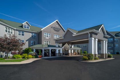 Hotel Exterior | Country Inn & Suites by Radisson, Beckley, WV