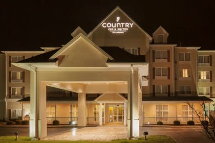 Hotel Exterior | Country Inn & Suites by Radisson, Princeton, WV