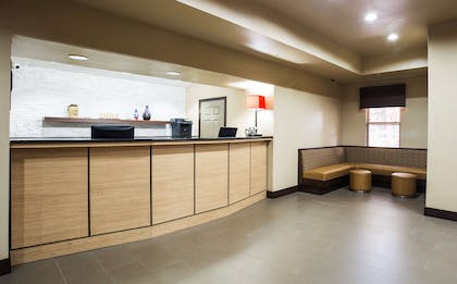 Front Desk | Country Inn & Suites by Radisson, Gainesville, FL