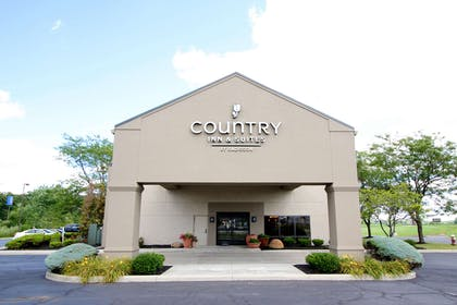 Hotel Exterior | Country Inn & Suites by Radisson, Sandusky South, OH