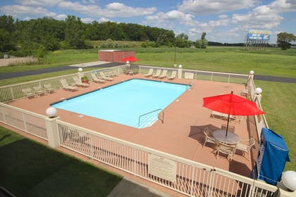 Outdoor Pool | Country Inn & Suites by Radisson, Sandusky South, OH