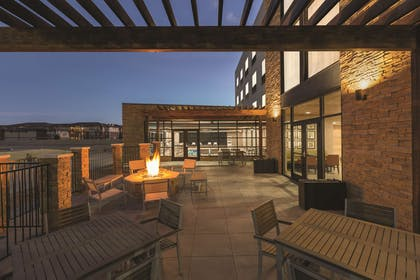 Patio | Country Inn & Suites by Radisson, Lubbock Southwest, TX