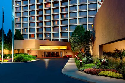 Exterior entrance | Nashville Airport Marriott