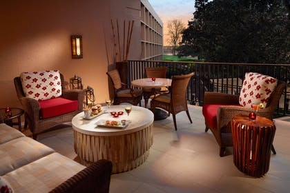 Outdoor patio | Nashville Airport Marriott
