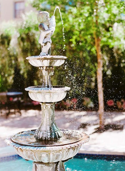 Fountain | The Southern Hotel