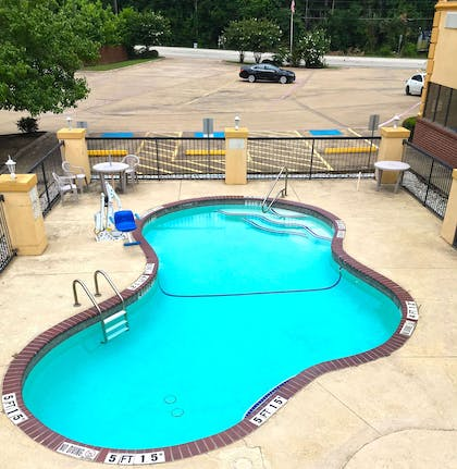 Pool | Americas Best Value Inn & Suites Kilgore