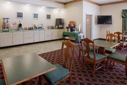 Breakfast Area | Americas Best Value Inn & Suites Kilgore