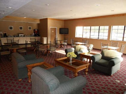 Breakfast Sitting Area | Americas Best Value Inn & Suites Kilgore