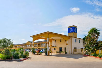 Exterior | Americas Best Value Inn & Suites Waller Prairie View