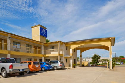 Front Exterior | Americas Best Value Inn & Suites Waller Prairie View