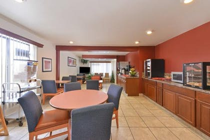 Breakfast Area | Americas Best Value Inn & Suites Ft. Collins E at I-25
