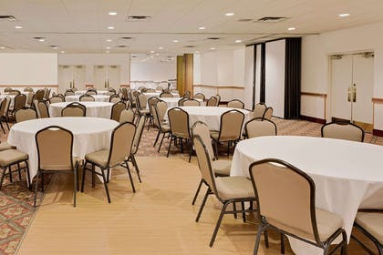 Meeting Room | Ramada by Wyndham Marquette