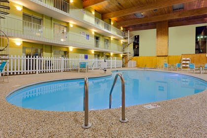 Pool | Ramada by Wyndham Marquette