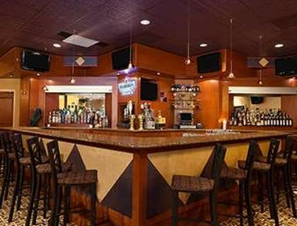 Angles Lounge | Ramada by Wyndham Toms River