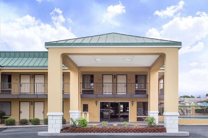 Exterior | Days Inn by Wyndham Monticello