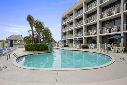 Welcome to the Travelodge Outer Banks Kill Devil Hills | Travelodge by Wyndham Outer Banks/Kill Devil Hills