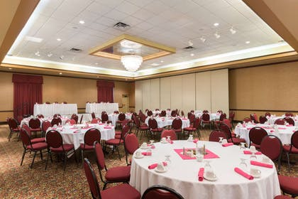 Banquet Hall | Ramada Hotel & Convention Center by Wyndham Topeka Downtown