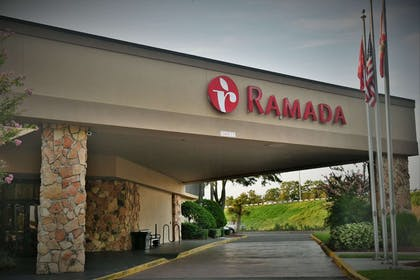 Exterior | Ramada by Wyndham Jacksonville Hotel & Conference Center
