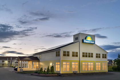 Exterior | Days Inn by Wyndham Airport/Maine Mall