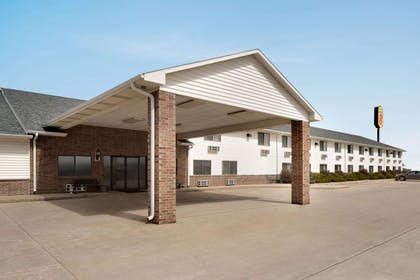 Exterior | Super 8 by Wyndham Bethany MO